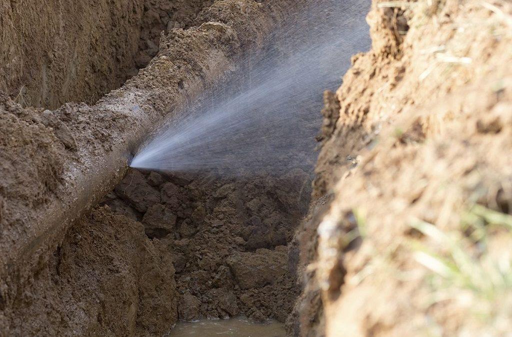 Comment colmater une fuite d'eau sous pression : Top 5 des solutions