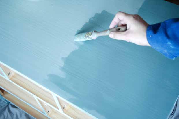 peindre avec peinture à la craie