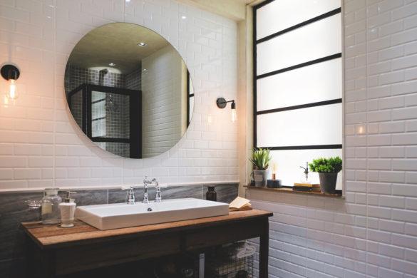 Quel meuble industriel choisir et poser dans sa salle de bain
