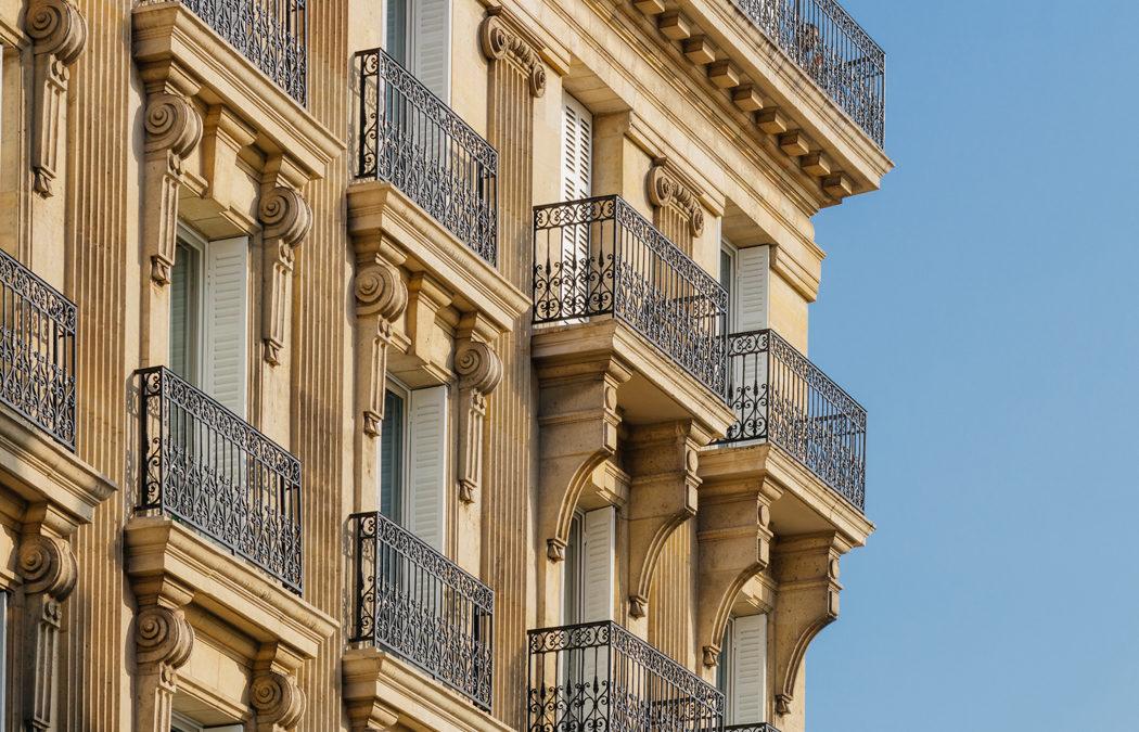 Investir dans un immeuble de rapport : avantages, inconvénients