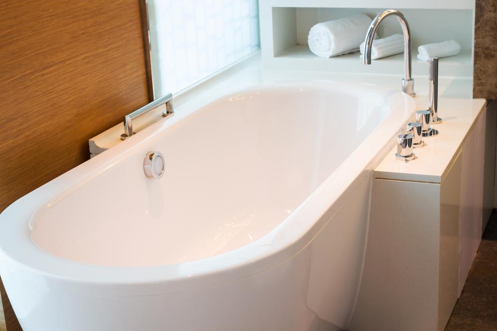 Hauteur baignoire :quelles sont les dimensions standards pour une baignoire